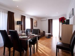 Brigadas Duplex apartment in Ciutat Arts i Ciencies with WiFi, airconditioning