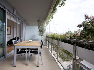 Luxurious Forum apartment in Diagonal Mar with WiFi, airconditioning (warm