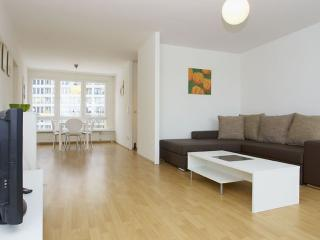 Spacious Mehringplatz I apartment in Kreuzberg with WiFi, balcony & lift.