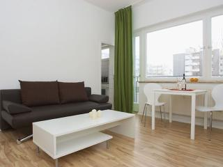 Wilhelm Weiss II apartment in Kreuzberg with WiFi, balcony & lift.