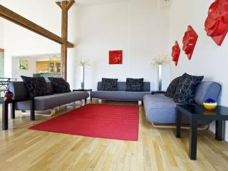 Wenceslas Attic II apartment in Nove Mesto with WiFi, airconditioning & lift.