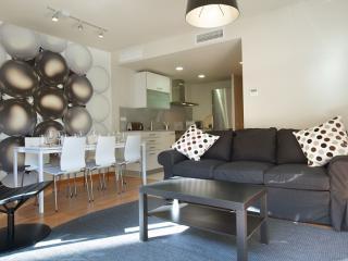 BWH Parc Güell 1 3 apartment in Carmel with WiFi, airconditioning (warm / koud), balkon & lift., Barcelona