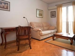 Montera apartment in Sol with WiFi & lift.