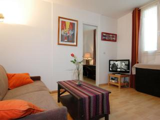 Stravinsky apartment in 04eme - Hotel-de-Ville - Le Marais with WiFi & lift.