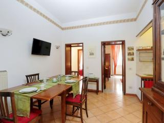 Tiburtino apartment in Tiburtino with WiFi, integrated air conditioning (hot / c