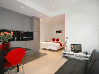 Temple Beaubourg apartment in 03eme - Temple - Le Marais with WiFi.
