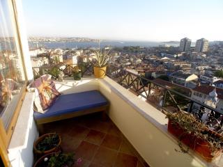 Abbasağa Vista apartment in Beşiktaş with airconditioning (warm / koud) & balkon., Estambul