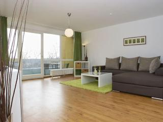 Spacious Mehringplatz IV apartment in Kreuzberg with WiFi, balcony & lift.