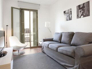 BWH Montjuïc IV apartment in Sants with WiFi, airconditioning (warm / koud) & lift., Barcelona