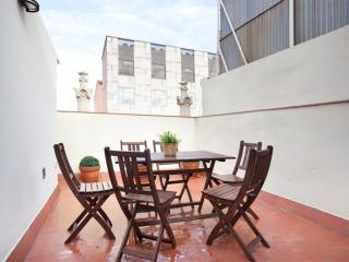 BWH Montjuïc Atico apartment in Sants with WiFi, airconditioning (warm / koud), privéterras & lift.…, Barcelona
