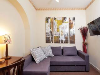 Marrucini apartment in Tiburtino with WiFi, integrated air conditioning (hot / c