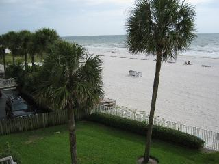 Beach front condo, Special last minute rates