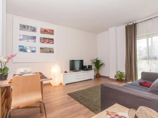 Tetuan Cuatro apartment in Eixample Dreta with WiFi, integrated air conditioning