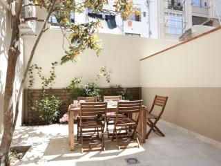 BWH Poble Nou Terraza I apartment in Poblenou with WiFi, airconditioning (warm / koud), privéterras…, Barcelona