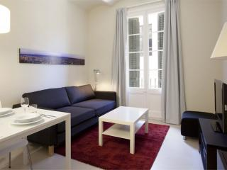 BWH Poble Nou I apartment in Poblenou with WiFi & airconditioning (warm / koud)., Barcelona