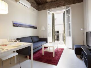 BWH Poble Nou Atico II apartment in Poblenou with WiFi & airconditioning (warm / koud)., Barcelona