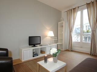 Saint Anne Suite apartment in 01er - Louvre Les Halles with WiFi, balkon & lift., Paris