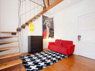 Paris apartment in Alameda with WiFi, airconditioning & balkon.