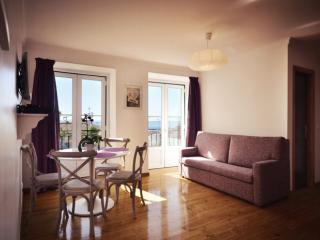 Estêvão 6 apartment in Alfama with WiFi, gedeeld terras & lift.