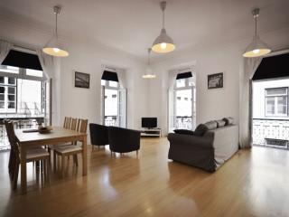 Baixa Tejo I apartment in Baixa/Chiado with WiFi & airconditioning (warm / koud)., Lisbon