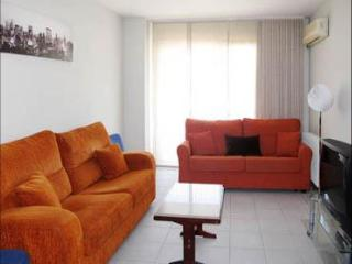Jardines Churruca apartment in Malasaña with WiFi, airconditioning (warm / koud), balkon & lift., Madrid