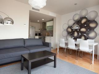 BWH Parc Güell 4 1 apartment in Carmel with WiFi, airconditioning (warm / koud), balkon & lift., Barcelona