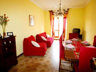 Classic Red apartment in Vaticano with WiFi, airconditioning (warm / koud, Roma