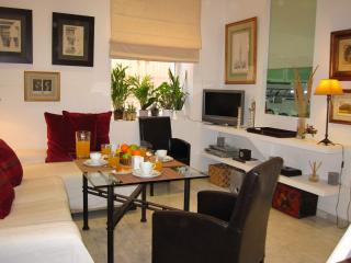 Castellar apartment in Casco Antiguo with WiFi., Sevilha