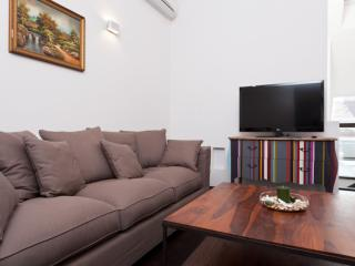 Redstar Deluxe apartment in 02. Leopoldstadt with WiFi, airconditioning, privéterras & lift., Viena