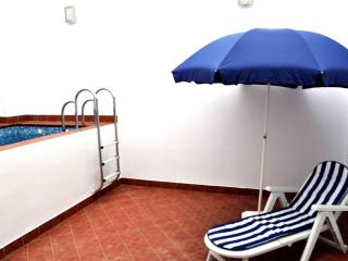 Macarena apartment in Macarena with WiFi, airconditioning (warm / koud