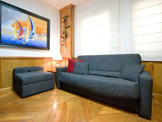 Jardin del Valle apartment in Casco Antiguo with WiFi, integrated air conditioni