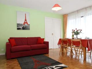 Charming Montmartre apartment in 18ème - Montmartre with WiFi, balkon & lift., Paris