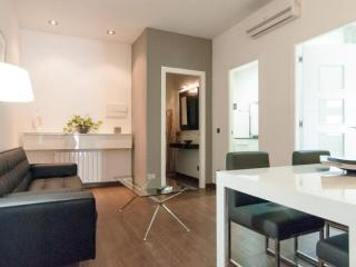 Riera de Sant Miquel V apartment in Gràcia with WiFi, integrated air conditionin