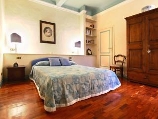 Medici Suite III apartment in San Lorenzo with WiFi & airconditioning (warm / koud)., Florencia