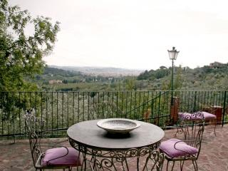 Spacious Villino Iris apartment in Bolognese with WiFi, airconditioning