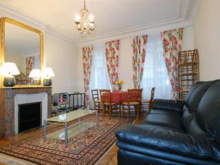 Vauquelin apartment in 05eme - Quartier Latin with WiFi & lift.