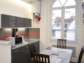 Odéon Luxembourg apartment in 06ème - St Germain des Prés with WiFi., Paris