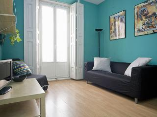 Casa Azul apartment in Gran Via with WiFi, airconditioning & lift., Madrid