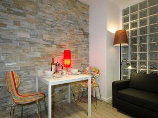 Transparent Temple apartment in 03ème - Temple - Le Marais with WiFi & lift., Paris