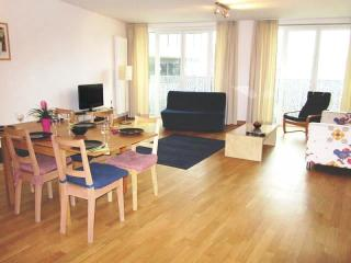 Spacious Opera 503 apartment in Brussel centrum with WiFi & lift.