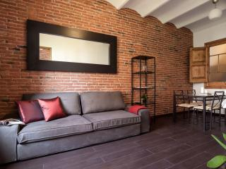 Sagrada Familia P2 apartment in Eixample Dreta with WiFi, air conditioning, balc