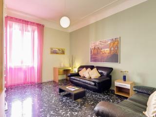Grecia Antica apartment in San Giovanni with WiFi, balkon & lift.