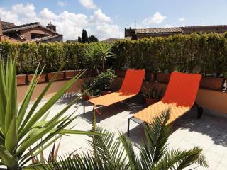 Trastevere Terrace C5 apartment in Trastevere with WiFi, airconditioning & gedeeld terras., Rom