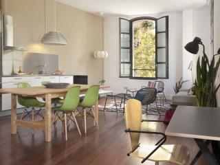 Roda Chic Loft apartment in Poblenou with WiFi, airconditioning (warm / koud) & lift., Barcelona
