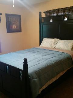 nice bedroom queen comfy bed