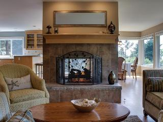 Spacious and pet-friendly home close to the beach, Cannon Beach