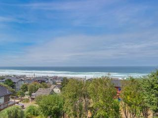 A private hot tub & ocean views from an expansive deck await, Lincoln City