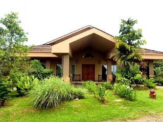 Tropical retreat w/private pool, wrap-around patio w/views!, Bocas del Toro Province