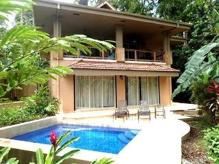 Colorful villa in jungle setting w/private pool!, Bocas del Toro Province