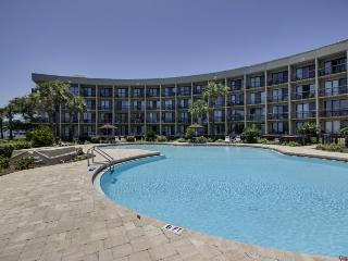 Stunning studio  w/ shared pool, Fort Walton Beach